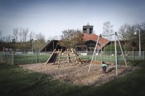 Spielplatz & Grillhütte